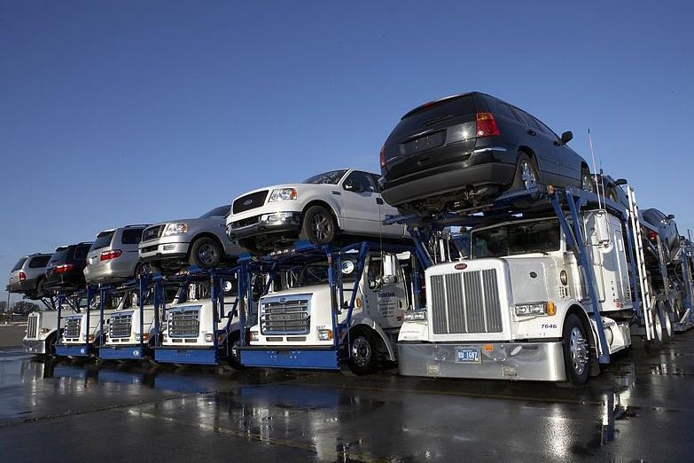 How Fleet GPS Vehicle Tracking Can Increase Savings