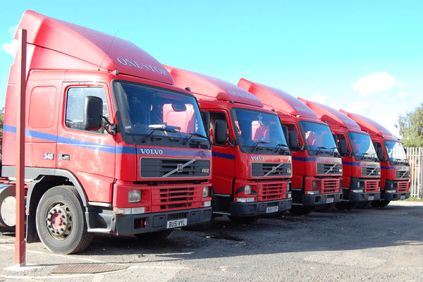 5 Ways To Effortlessly Manage Your Vehicles & Drivers