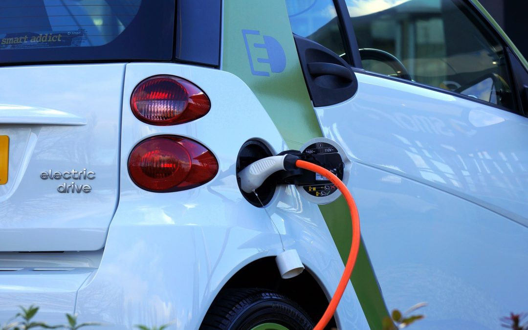 Electric Or Gas-Powered Vehicles: Which One Does Your Fleet Need?